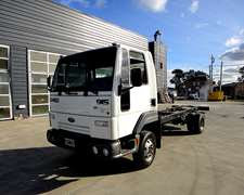 Camion Ford Cargo 915