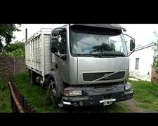 Vendo Volvo Vm 240 2004 Full 230 Mil Kmts Reales
