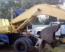 Excavadora Sobre Ruedas - Estado Muy Bueno