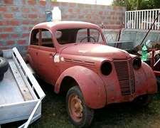 Auto Antiguo Renault 1947