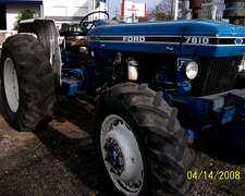 Tractor Ford New Holland 7810.